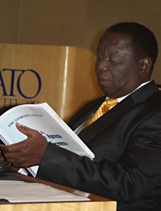 TsvangiraiZimbabwePapers_060909_3293(2)